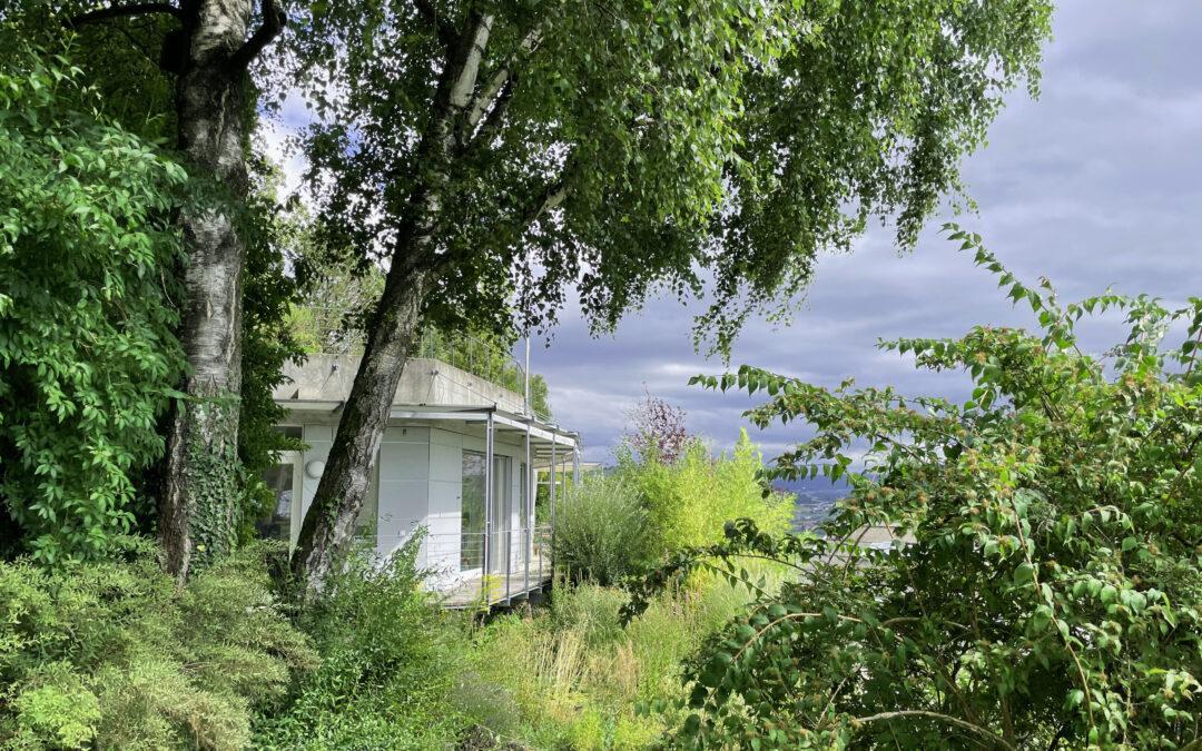 Stilvolles Atelierhaus mit Fernsicht in Stettlen