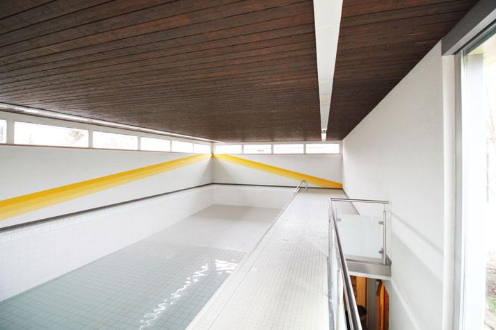 Schwimmbad_web